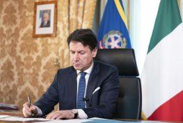 conte-firma_decreto_cura_italia